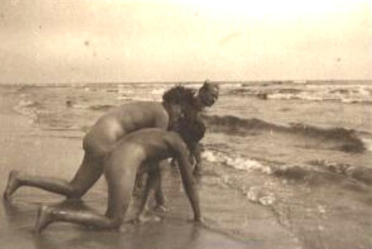russische familie nudisten zu hause